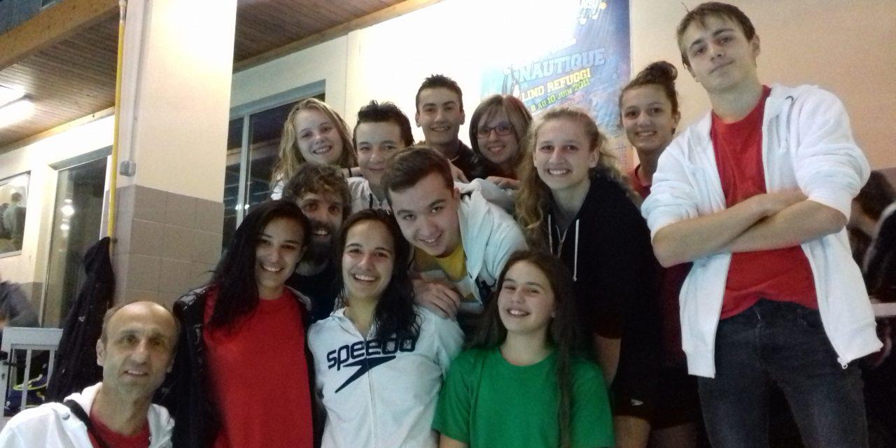 Championnats Départementaux par équipes à Fontaine (1) le dimanche 12/11: Une belle victoire des féminines de l'USSE, 1ère avec 13269 pts marqués.